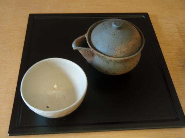 小林慎二さんの折敷き、お皿、高田谷将宏さんの飯茶碗_b0132442_1834188.jpg