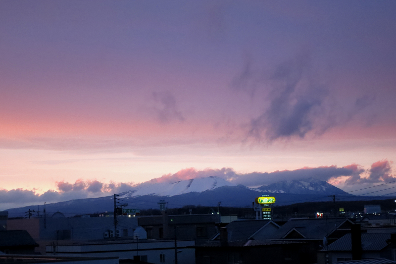 夜半から一日続いた嵐 風は夕方落ち着く_a0160581_1712769.jpg