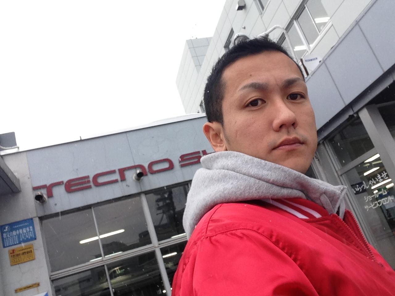 札幌トヨタさんにプリウス引取りにきました。_b0127002_99245.jpg