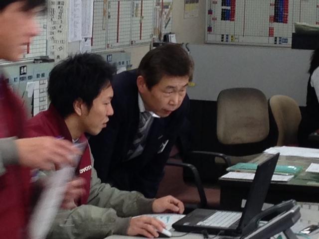 札幌トヨタさんにプリウス引取りにきました。_b0127002_99261.jpg