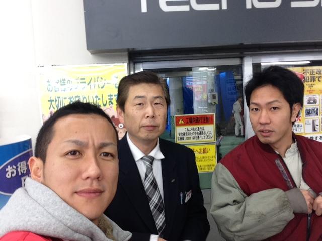 札幌トヨタさんにプリウス引取りにきました。_b0127002_99272.jpg