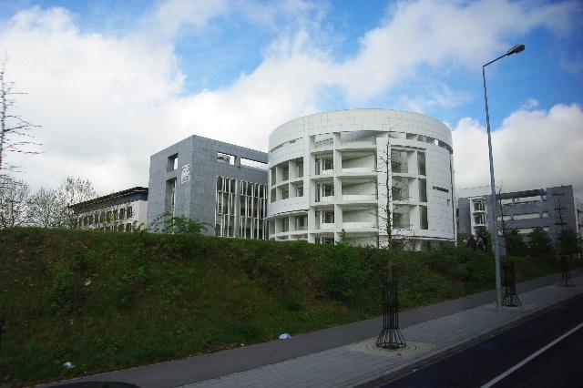 ルクセンブルクの旅 (2) ルクセンブルクの新市街_c0011649_23594537.jpg