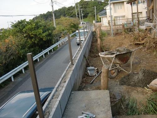 フェンス工事 ~ ブロック積み_d0165368_5242095.jpg