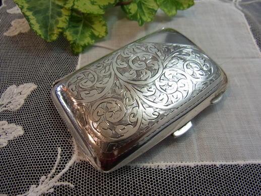 価値ある贈り物に純銀の小物はいかがでしょう..._d0127182_17102138.jpg