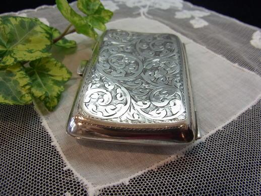 価値ある贈り物に純銀の小物はいかがでしょう..._d0127182_17154111.jpg