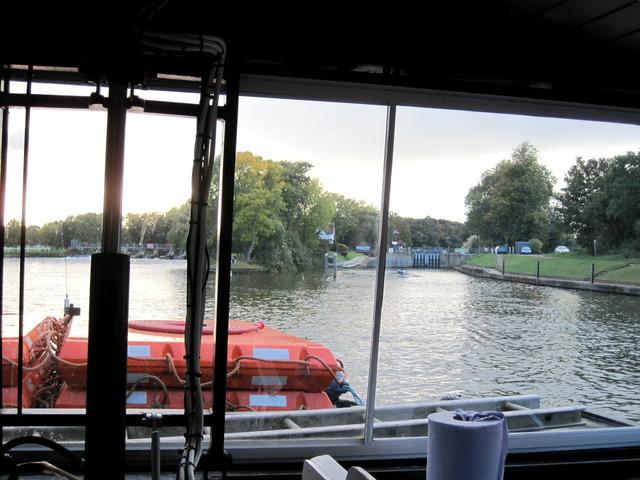 5日目-4 テムズ川の舟遊び@ウィンザー_f0100593_1555417.jpg