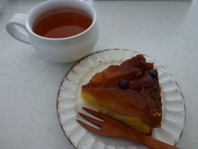 リンゴのケーキ_d0228610_2213550.jpg