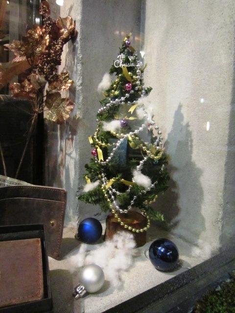 FREEMAN.EASTもクリスマスバージョンへ_f0191324_9183081.jpg