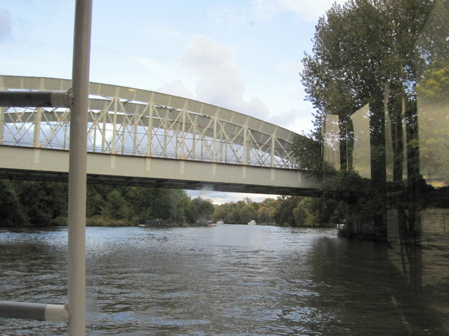 5日目-4 テムズ川の舟遊び@ウィンザー_f0100593_17562276.jpg