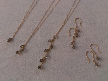 ブラウンダイヤモンド&グレーダイヤモンドのネックレス&ピアス_b0278339_21472699.jpg