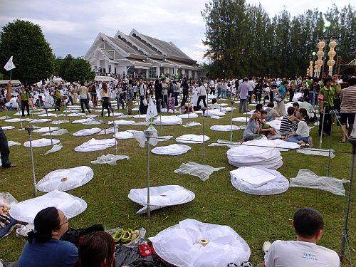 チェンマイ 4日目 イーペン・サンサーイ祭り_e0146484_104523100.jpg
