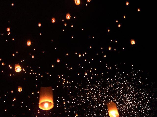 チェンマイ 4日目 イーペン・サンサーイ祭り_e0146484_10484450.jpg
