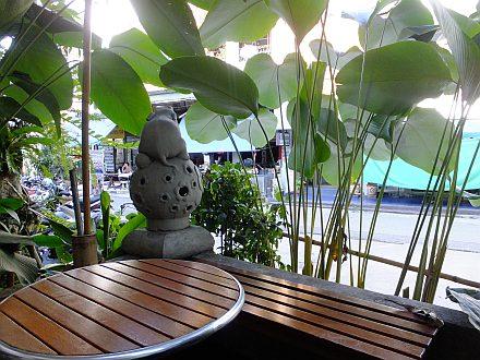 チェンマイ 4日目 タイのハイエース事情_e0146484_94407.jpg