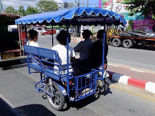 チェンマイ 4日目 タイのハイエース事情_e0146484_96156.jpg