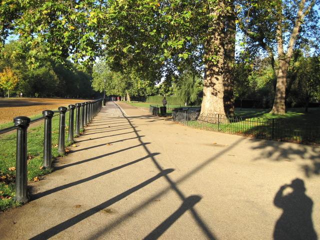 6日目-1 朝のハイドパーク散歩、出会った人は・・・_f0100593_1032180.jpg