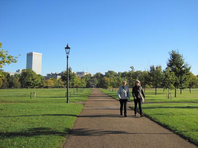 6日目-1 朝のハイドパーク散歩、出会った人は・・・_f0100593_10365215.jpg