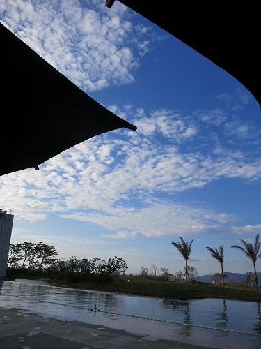10月 リッツカールトン沖縄 屋外プールと屋内プール_a0055835_2353719.jpg