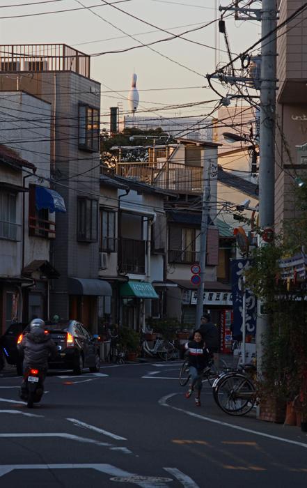 【NEX-7】 標準レンズの選択  スカイツリー・押上〜京島 実写編_c0035245_26788.jpg