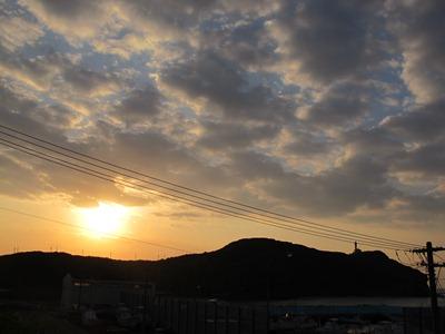 12月 8日 夕日がきれいでやんすー_b0158746_1618614.jpg