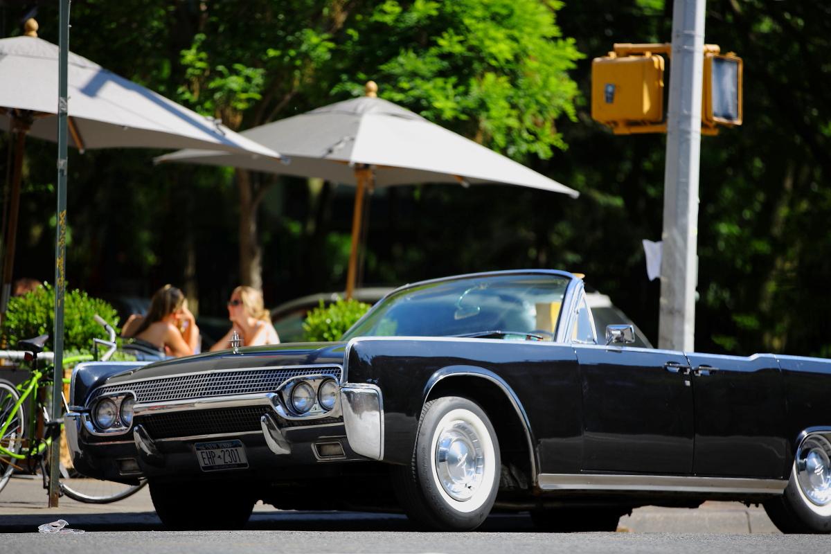 Lincoln Continental 1961_a0274805_1320435.jpg