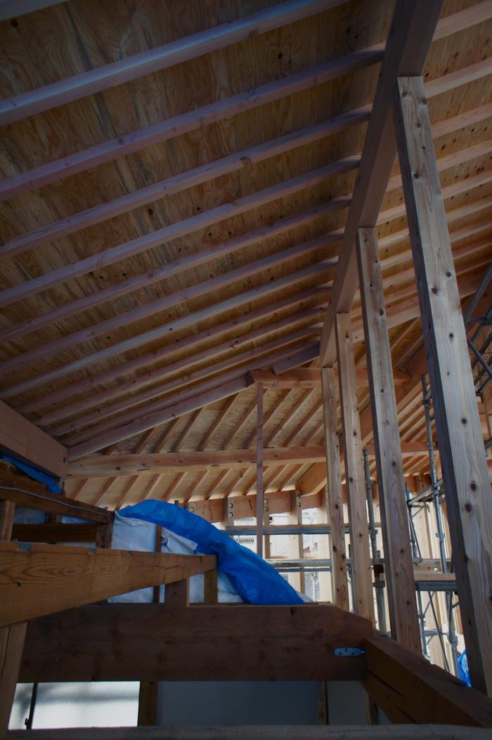 2つの棟に屋根をかける_e0189939_135246.jpg