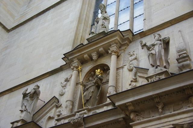 ルクセンブルクの旅 (4) ノートルダム大聖堂_c0011649_2210152.jpg