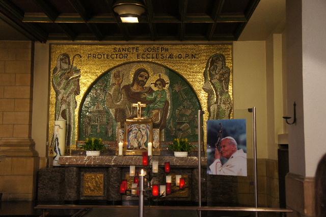ルクセンブルクの旅 (4) ノートルダム大聖堂_c0011649_22135922.jpg