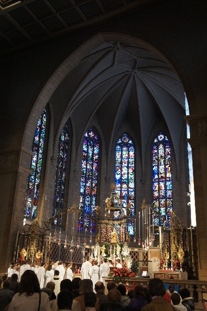 ルクセンブルクの旅 (4) ノートルダム大聖堂_c0011649_22152284.jpg