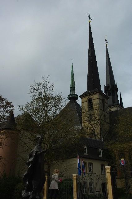 ルクセンブルクの旅 (4) ノートルダム大聖堂_c0011649_22225022.jpg