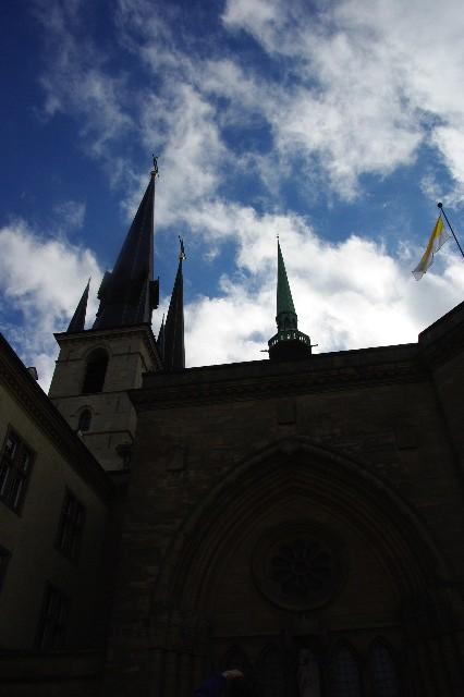 ルクセンブルクの旅 (4) ノートルダム大聖堂_c0011649_2273154.jpg