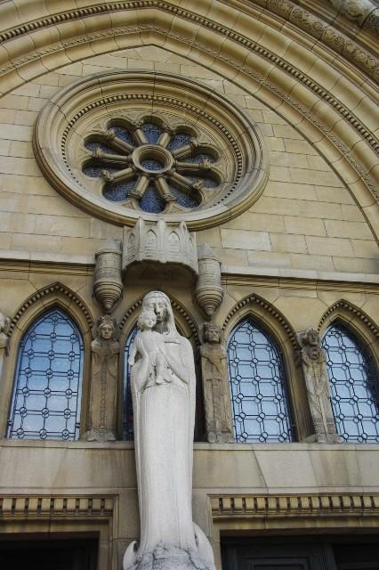 ルクセンブルクの旅 (4) ノートルダム大聖堂_c0011649_2281736.jpg