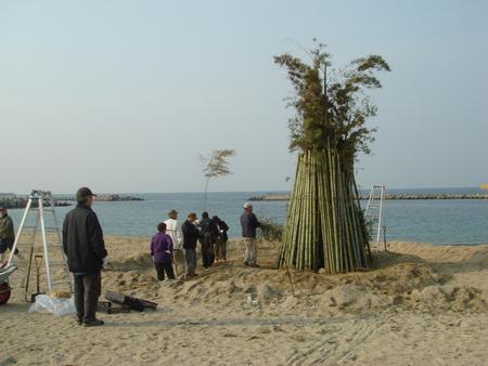 とんどの歴史…うみべの森を育てる会 in せんなん里海公園まつり _c0108460_22541714.jpg