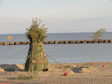 とんどの歴史…うみべの森を育てる会 in せんなん里海公園まつり _c0108460_2258299.jpg