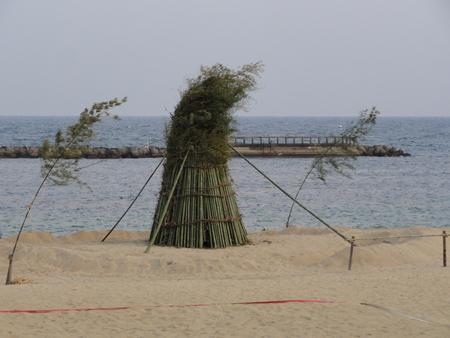 とんどの歴史…うみべの森を育てる会 in せんなん里海公園まつり _c0108460_2259011.jpg