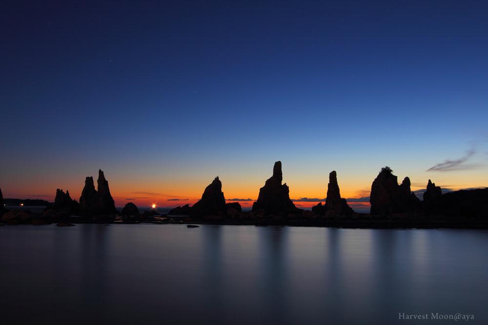 The sharp contrasts~神々しい岩岩_b0208495_20163348.jpg
