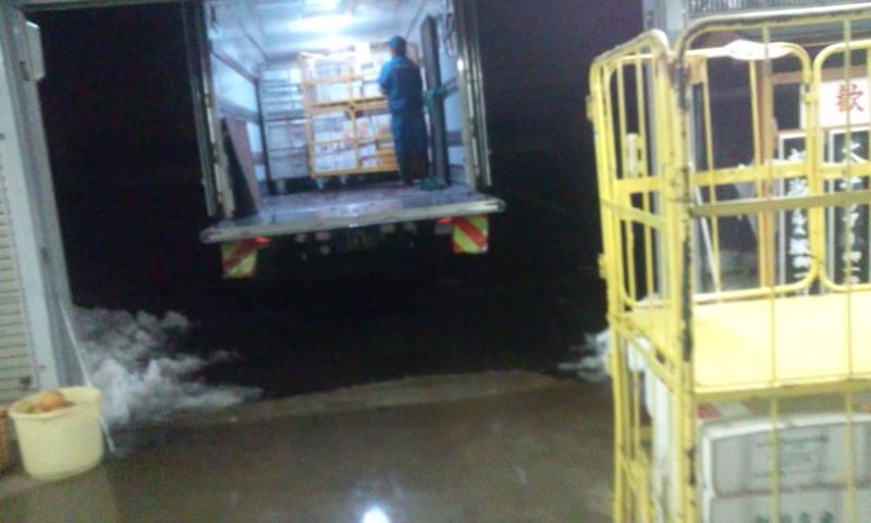 4トントラック二台目です。_a0232051_2043428.jpg