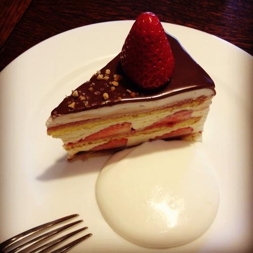 irodoriさんのケーキ販売。_e0060555_23515574.jpg