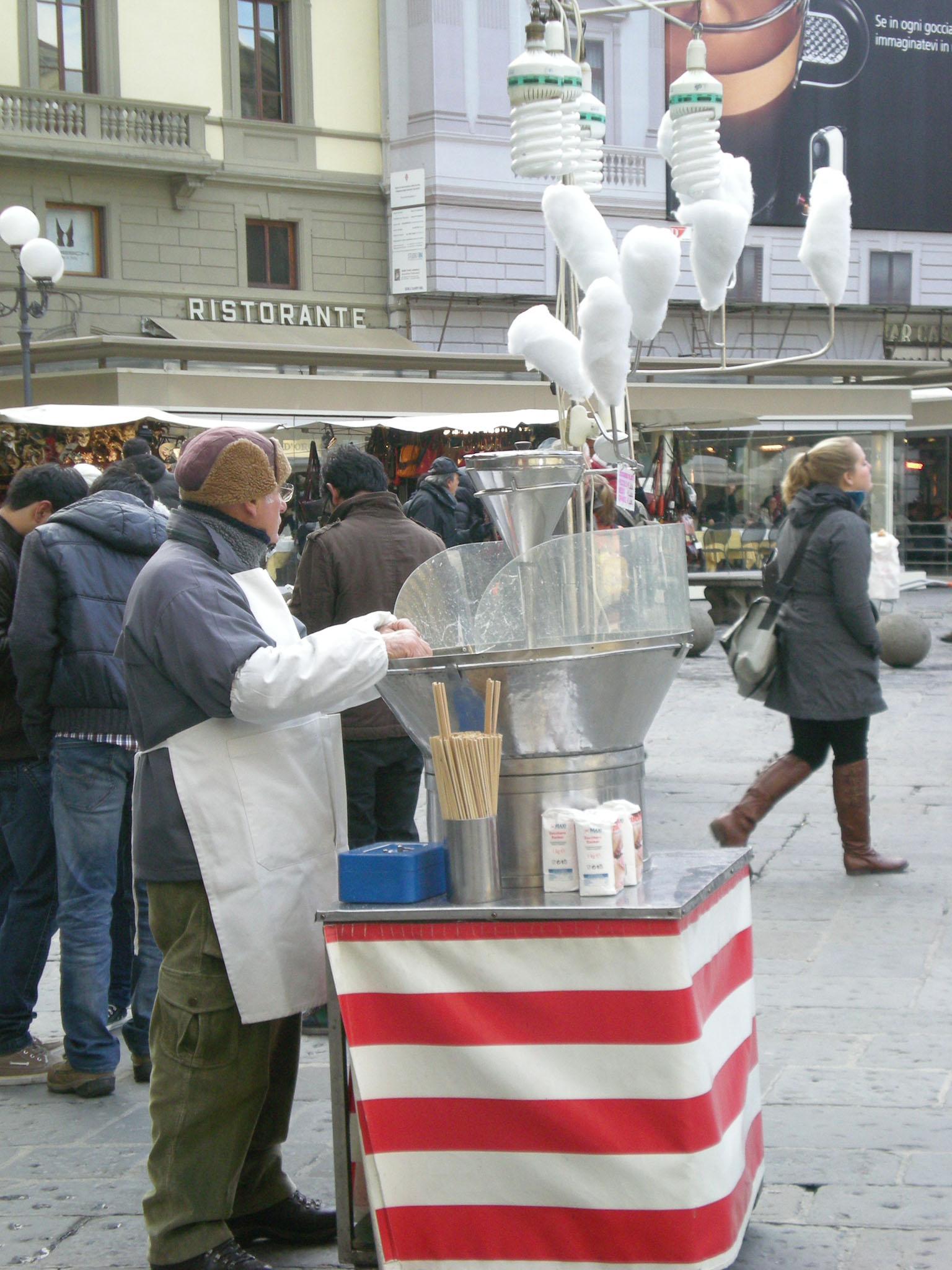 イタリア人にとってクリスマスプレゼント選びは一大行事!!_c0179785_2011027.jpg