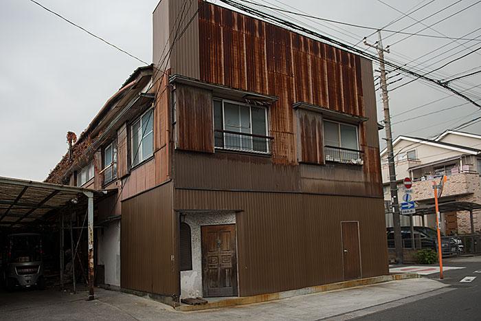 記憶の残像-388 埼玉県川口市鳩ヶ谷-5 扉の2つある建物_f0215695_20153451.jpg