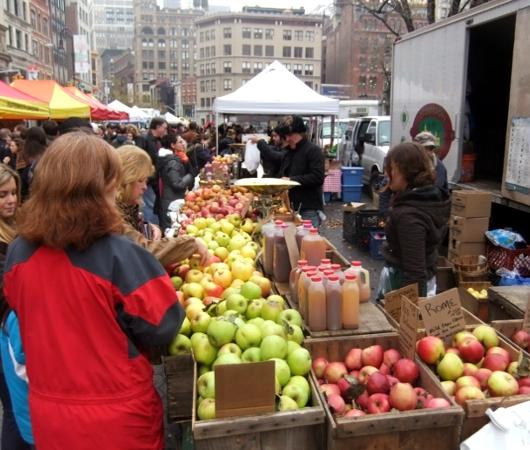ニューヨークの青空市場にも近づくクリスマス_b0007805_10172011.jpg