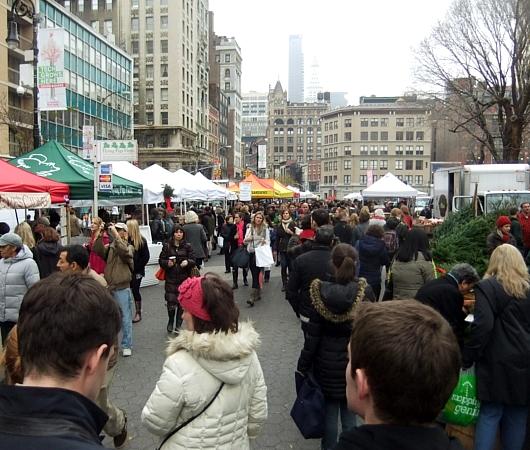 ニューヨークの青空市場にも近づくクリスマス_b0007805_10181154.jpg