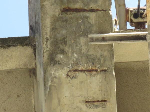 施工不良の建築物を発見_b0244939_1938956.jpg