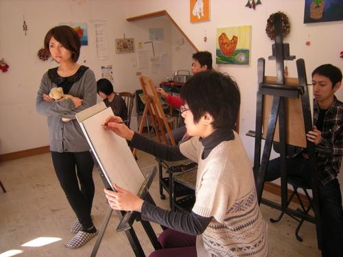 12月の「人物画デッサン」、大変盛り上がってます!!!_c0131063_0345325.jpg