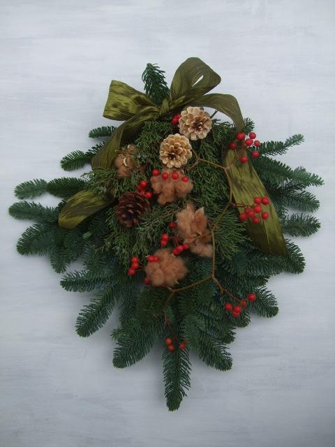 オークリーフ(クリスマスのオーダーリース)_f0049672_1621587.jpg