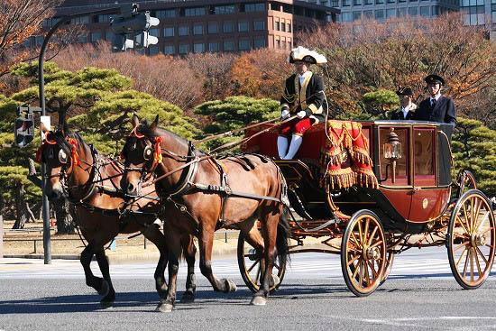 皇居で儀装馬車を見て来ました。_f0030085_21101742.jpg