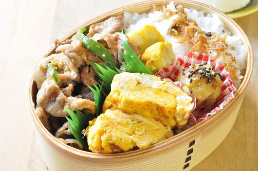 醤油糀豚の生姜焼き弁当_b0171098_8132681.jpg
