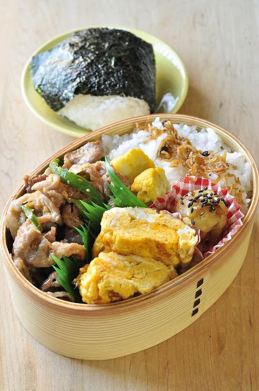 醤油糀豚の生姜焼き弁当_b0171098_875057.jpg