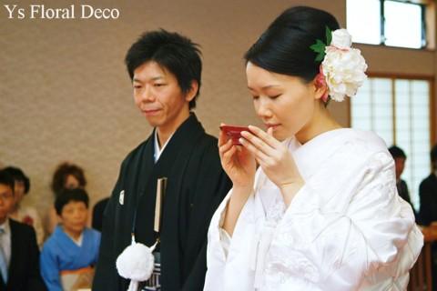 和装に合わせるヘッドドレス 白いシャクヤクをたっぷりと_b0113510_1632524.jpg
