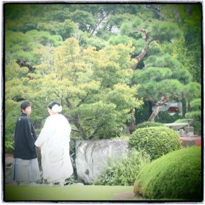 和装に合わせるヘッドドレス 白いシャクヤクをたっぷりと_b0113510_16332486.jpg