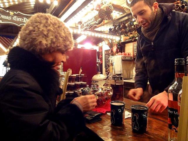 ベルリン その1 到着の夜 クリスマスマーケットへ♪_a0092659_1743339.jpg